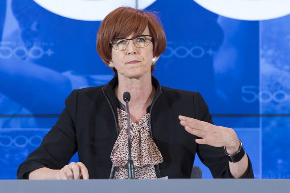 Elżbieta Rafalska: nikt nie będzie nas szantażował płynnością wypłacania programu 500 plus