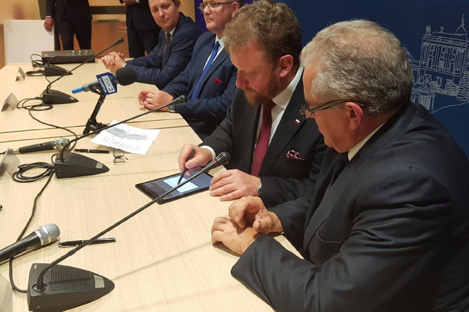 Podlaskie: Ponad 15 mln zł dostaną z MZ cztery szpitale i jedna uczelnia niepaństwowa