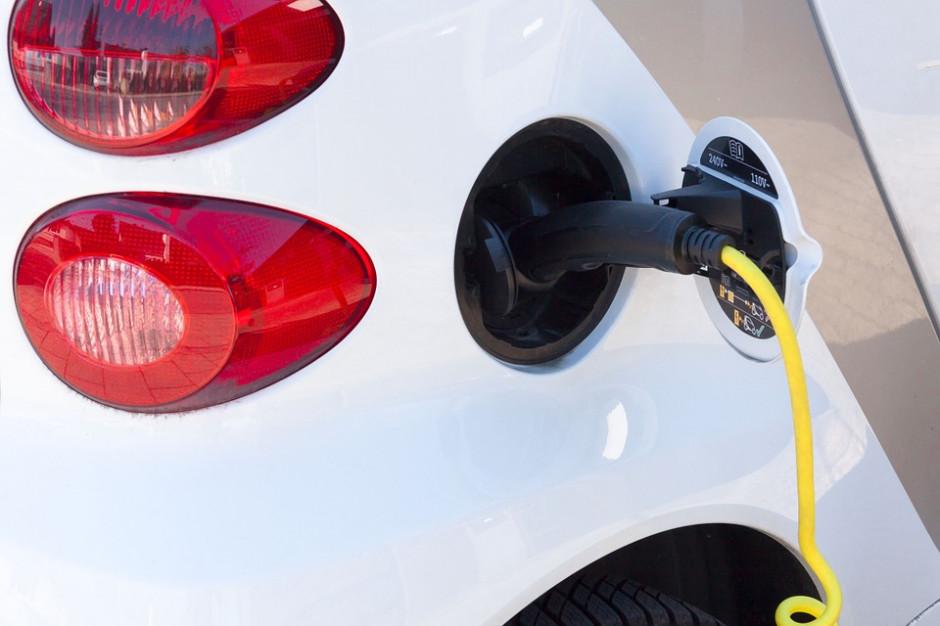 W Łomży zainstalowano dwie ładowarki do aut elektrycznych