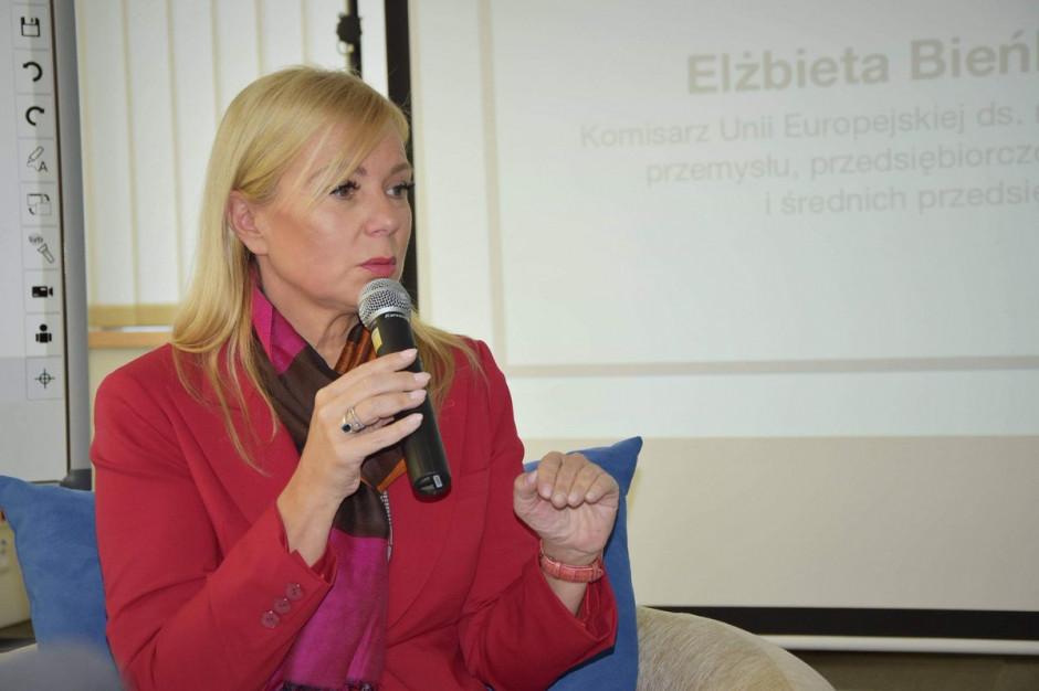 Elżbieta Bieńkowska: Nie jest prawdą, że polskie województwa mogą stracić pieniądze z UE