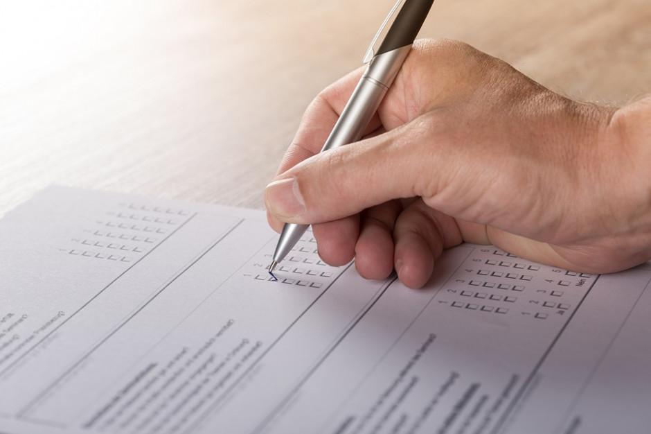 PKW: Dopisek lub znak na karcie do głosowania nie wpłynie na ważność głosu