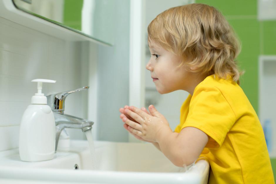 Przez lukę w prawie do mieszkań może docierać zanieczyszczona woda
