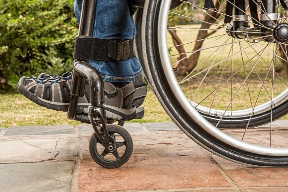 """Poznań: """"Zakupy bez barier"""" wsparciem dla osób z niepełnosprawnościami"""