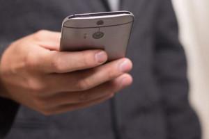 """Podlaskie: aplikacja """"Senior Alert"""" ruszy w listopadzie"""