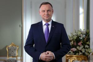 Andrzej Duda gratuluje zasłużonym dla samorządu w Polsce