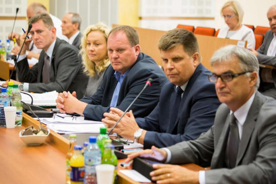 Zarząd województwa podlaskiego zostaje. Radni odrzucili wniosek o odwołanie
