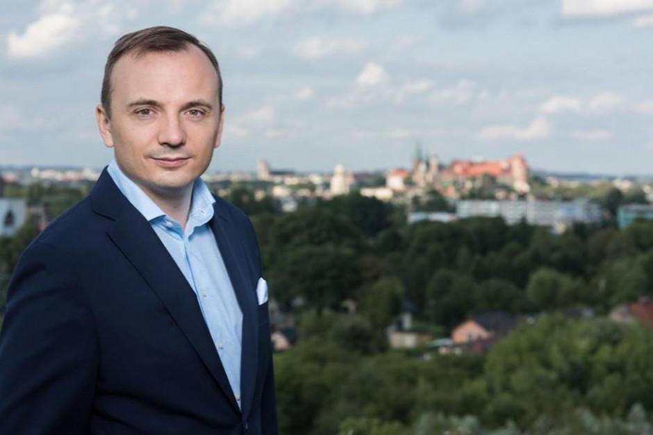 Kraków: Kogo w II turze wyborów poprze Łukasz Gibała?