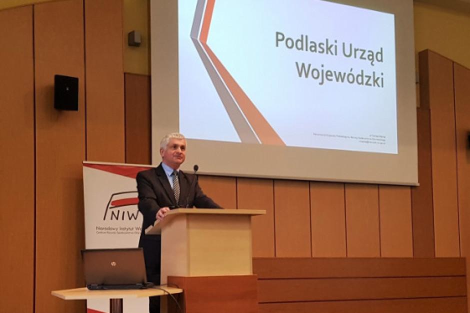 Podlaskie: Bohdan Paszkowski wręczył nagrody organizacjom pozarządowym