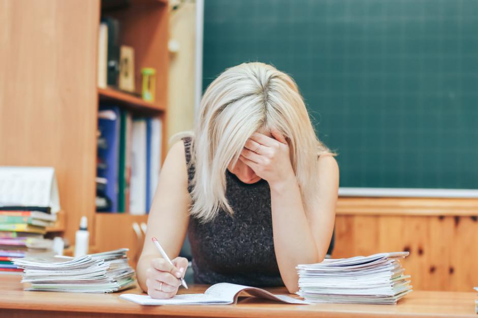 PIP przyjrzy się pracy nauczycieli. Sprawdzi, czy pracują za darmo