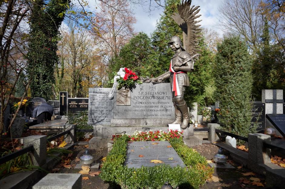 Rozpoczęła się kwesta na ratowanie zabytków Starego Cmentarza w Łodzi