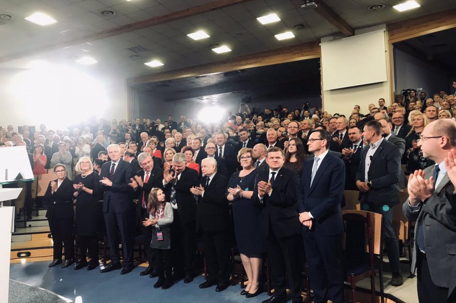 """Premier: W wyborach mamy program """"pro"""", a nie """"anty"""""""