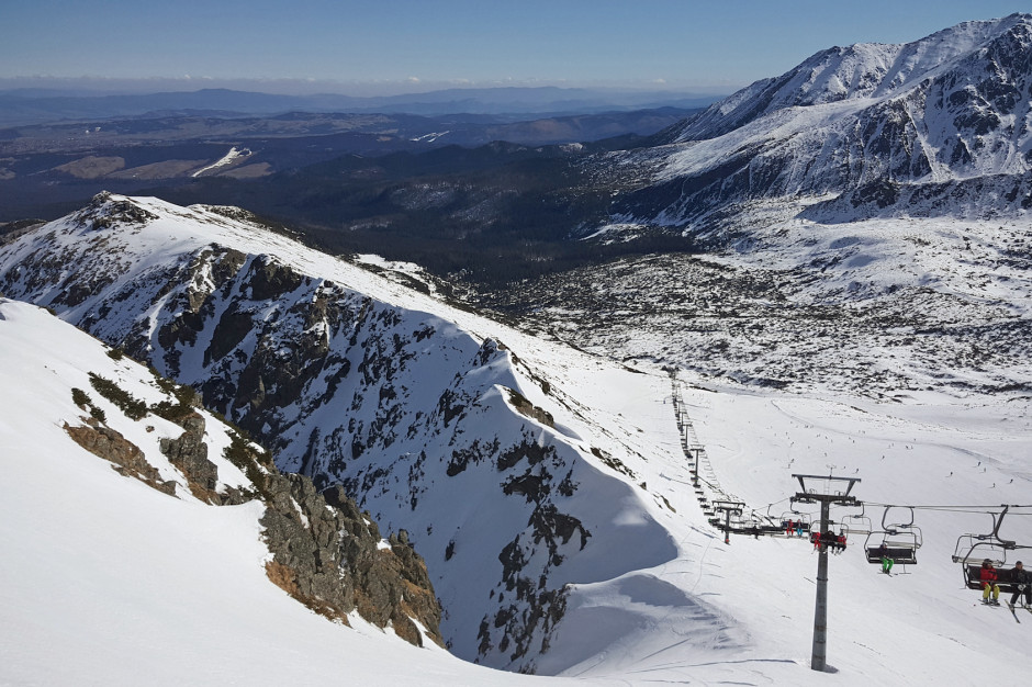 Małopolskie:  w Tatrach przybywa śniegu