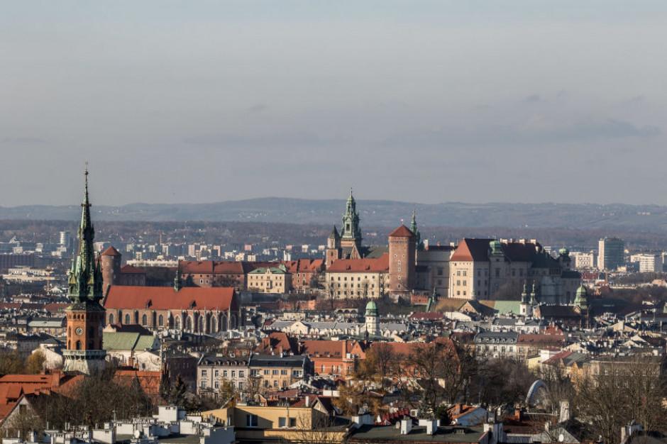Kraków, wybory: Radni apelują by oddać głos na Jacka Majchrowskiego