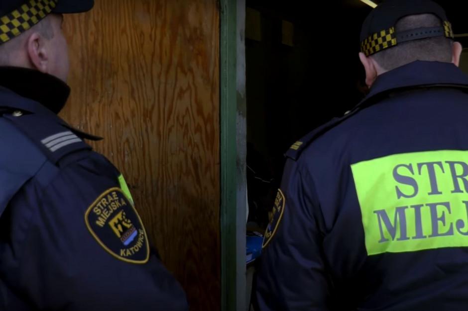 Straż miejska może karać mandatem za łamanie uchwały antysmogowej