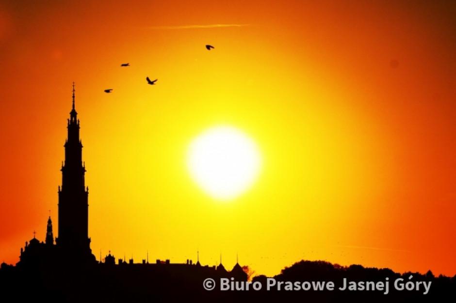 Jasna Górna na biało-czerwono. W Częstochowie ruszają obchody 100. rocznicy odzyskania niepodległości