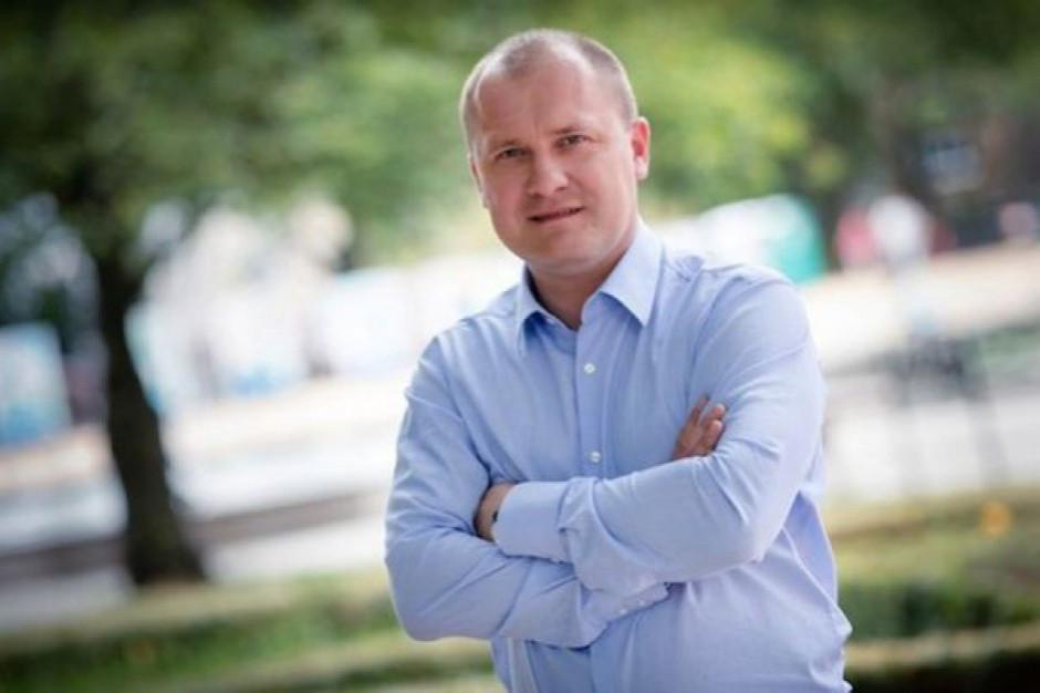 Piotr Krzystek wygrywa wybory w Szczecinie. Według exit poll zdobył 67,5 proc. głosów