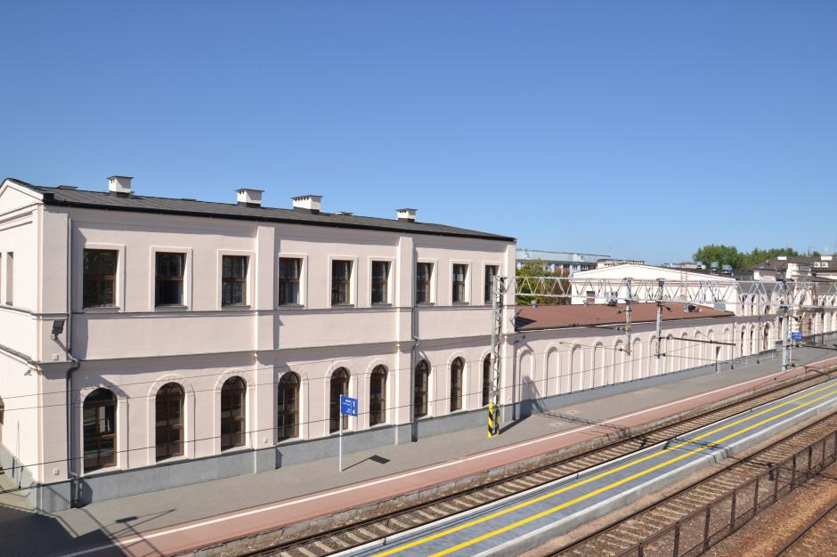 Białystok: Dworzec PKP w przebudowie. Pasażerowie będą korzystać z tymczasowego