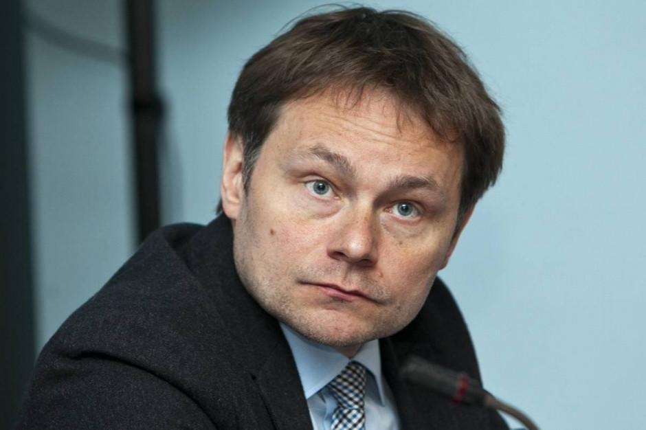 Jesteśmy niekonkurencyjni, informatykowi nie zapłacimy kilkudziesięciu tysięcy złotych - mówi sekretarz Warszawy