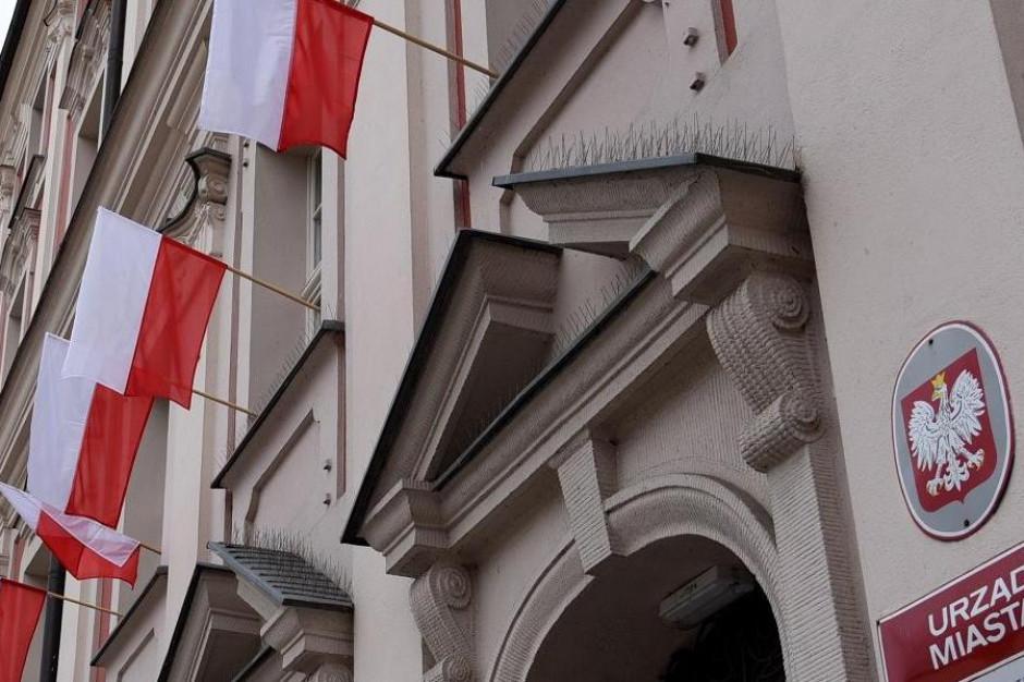 Poznań rozda 500 flag z okazji 100-lecia niepodległości