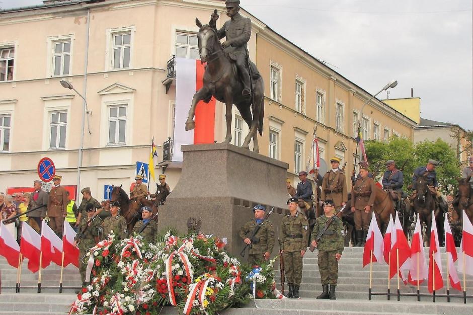 Kielce: Koncert, bieg uliczny i rekonstrukcje historyczne na 100-lecie niepodległości