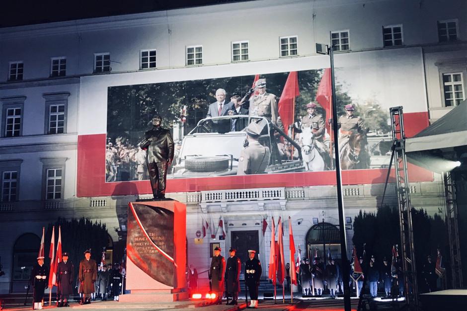Warszawa: W archikatedrze msza za ofiary katastrofy smoleńskiej