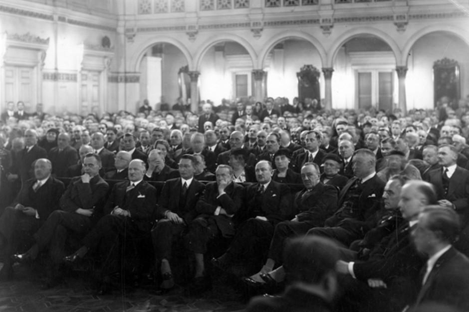 Samorząd w 1918 i 2018: różnice, podobieństwa, akty prawne