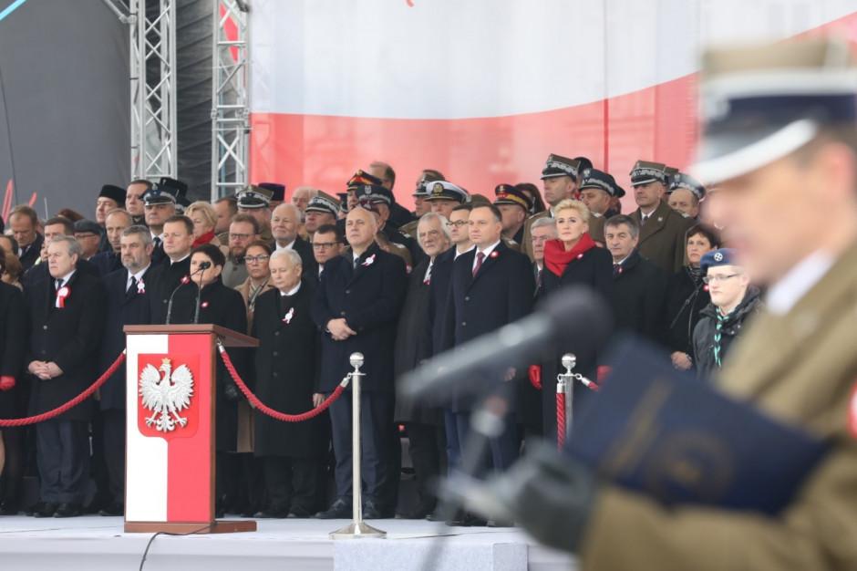 Przed Grobem Nieznanego Żołnierza w Warszawie uroczysta odprawa wart