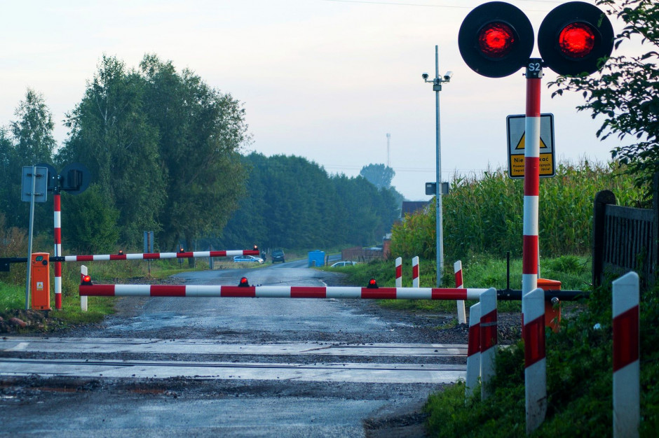 Podkarpackie: PKP PLK zmodernizuje przejazdy kolejowe