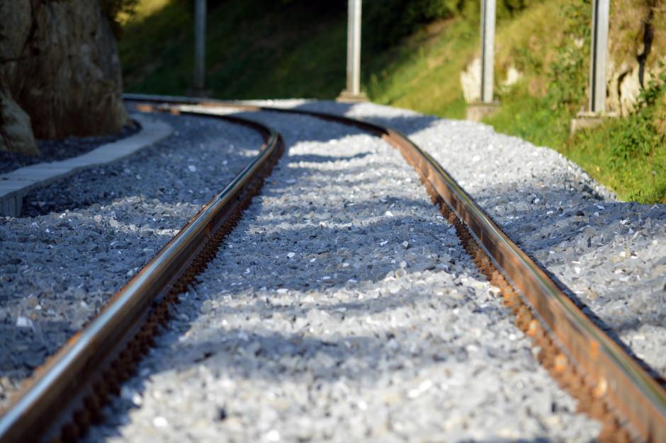 Dolnośląskie: Trasa kolejowa z Wrocławia do Jelcza zostanie odnowiona