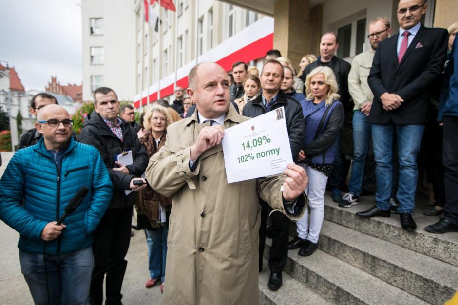 Metropolia Bydgoska nie chce marszałka Piotra Całbeckiego. Jest list do Grzegorza Schetyny