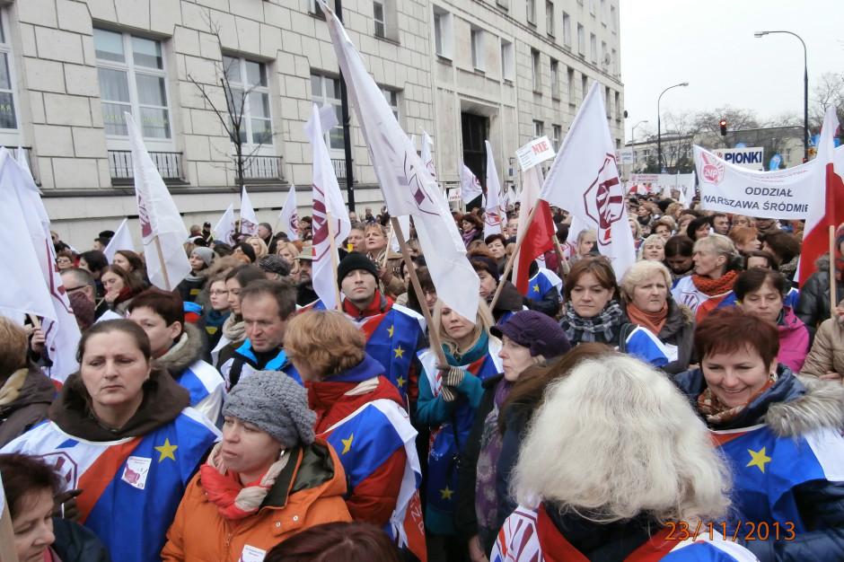 Związek Nauczycielstwa Polskiego rozpoczyna konsultacje w sprawie protestu