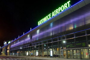 Śląska metropolia prosi mieszkańców o opinie. Chodzi o autobusy na lotnisko