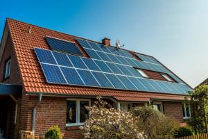 GUS: w 2017 r. udział OZE w końcowym zużyciu energii spadł do 11 proc.