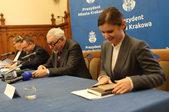 Jak powiedział prezydent Jacek Majchrowski, miasto stawia głównie na zadania komunikacyjne (fot. UMK)