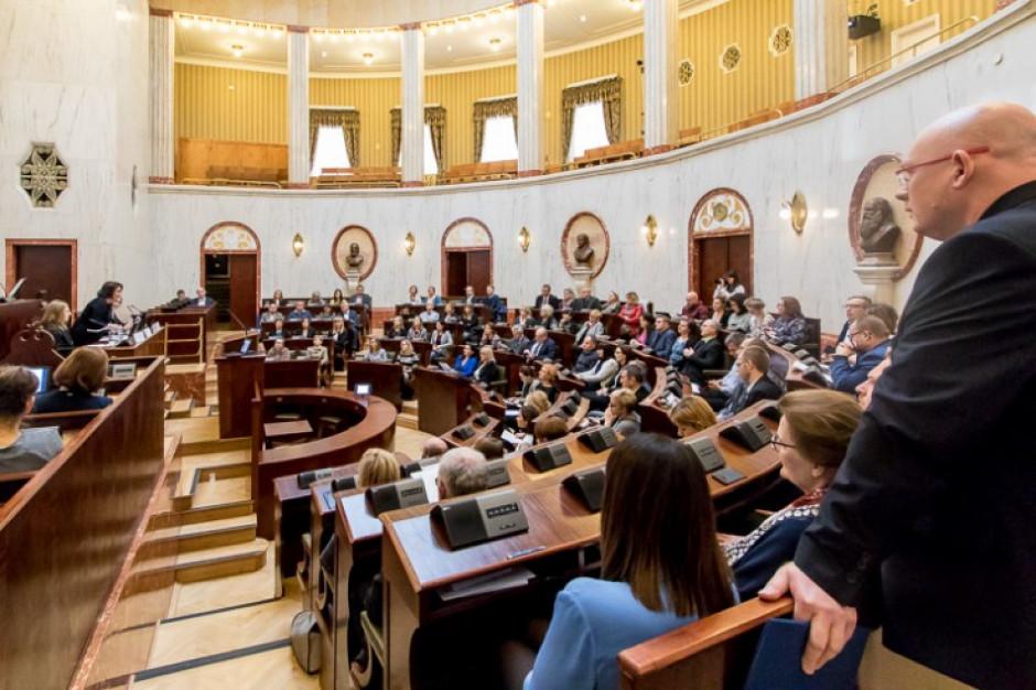 Wybory: PiS będzie rządzić w sejmiku śląskim. Uzyskało większość