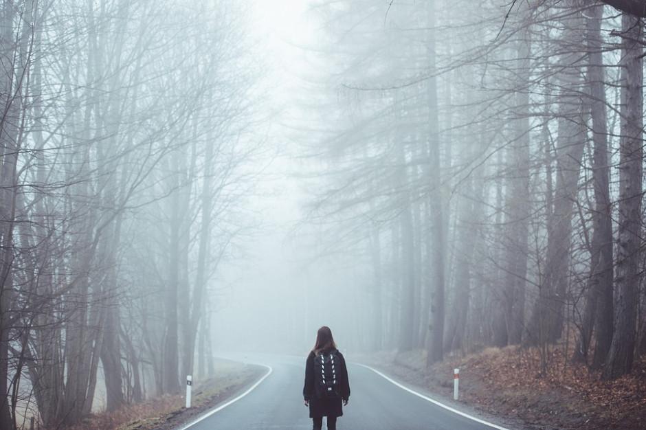 Mgła i marznące opady. Jest ostrzeżenie dla 9 województw
