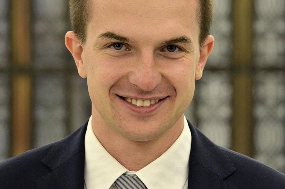 Poseł Nowoczesnej obraża wicemarszałka Wojciecha Kałużę. Dosadnie na antenie