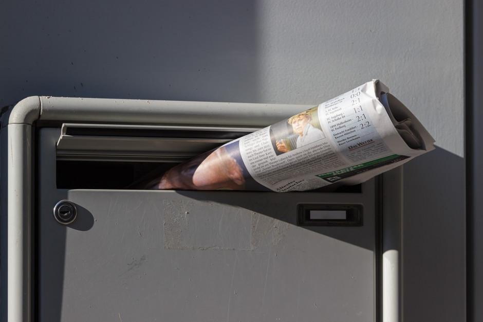Zakaz wydawania prasy nie tylko dla gmin? Fundacja chce rozszerzyć ograniczenia