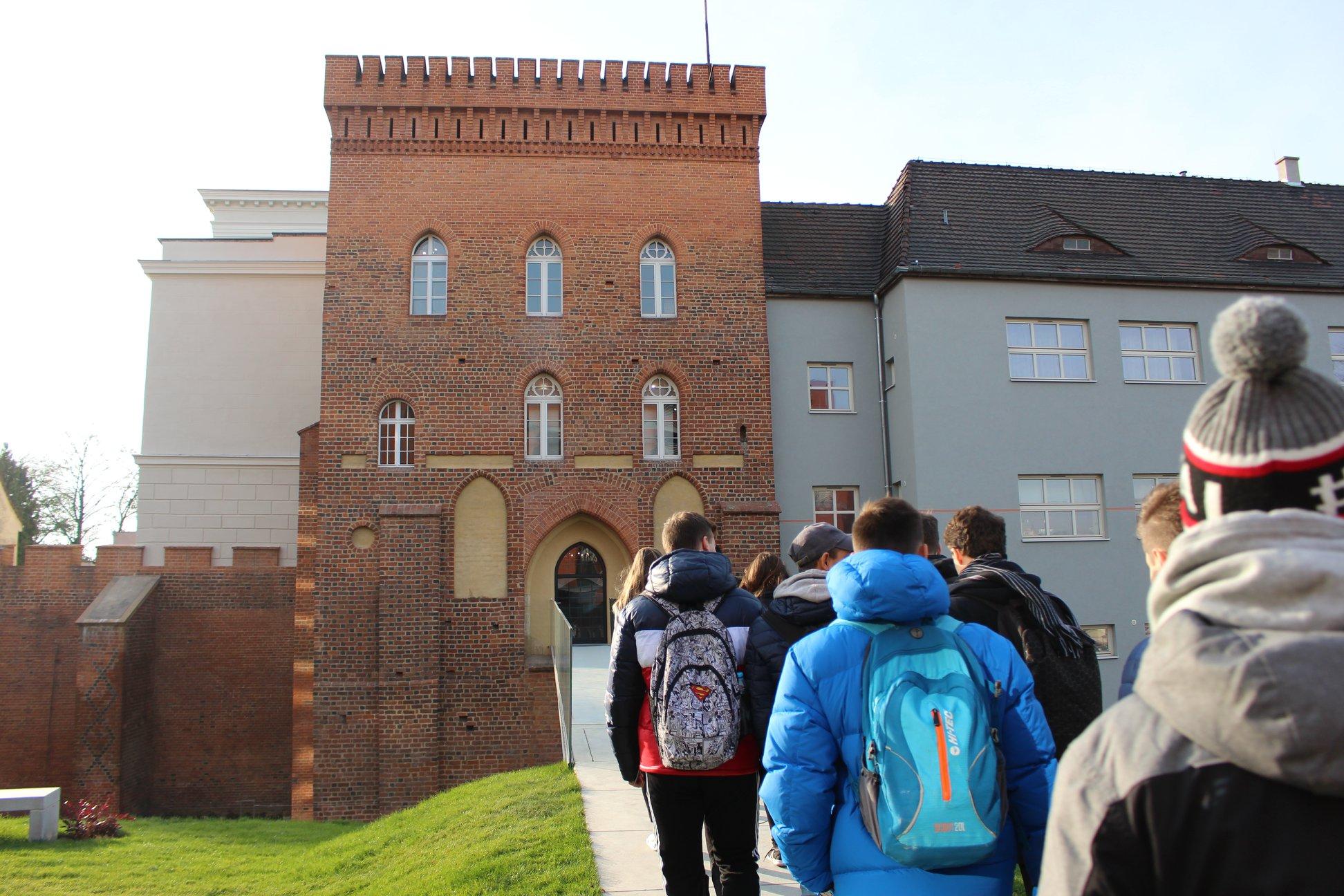 We wtorek (27 listopada) odbyło się uroczyste otwarcie ekspozycji w wieży bramnej fortyfikacji wybudowanej w XIV wieku przez Władysława II Opolczyka (fot. opole.pl)