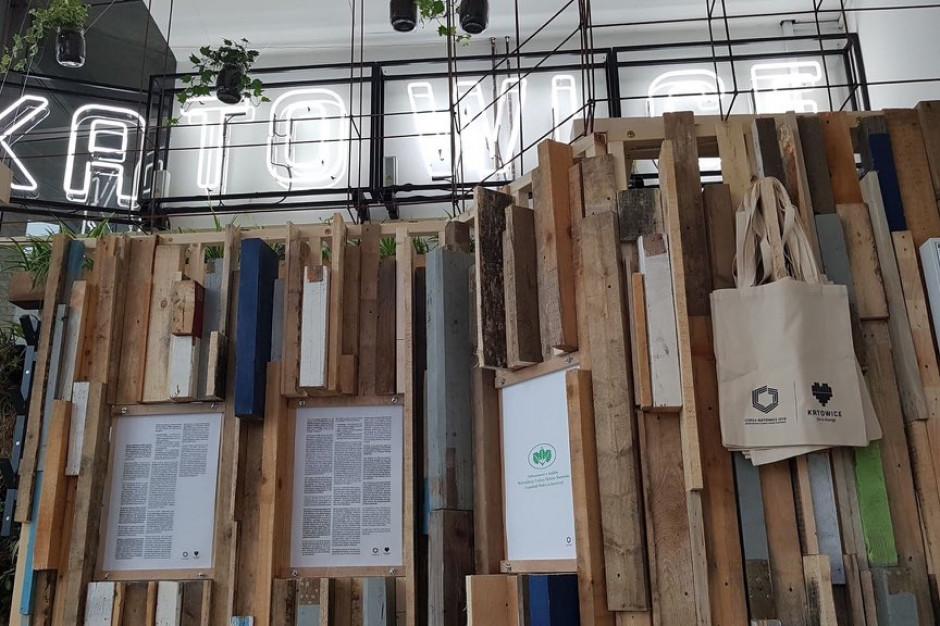 Katowice: punkt informacyjny COP24 oparty na materiałach z recyklingu
