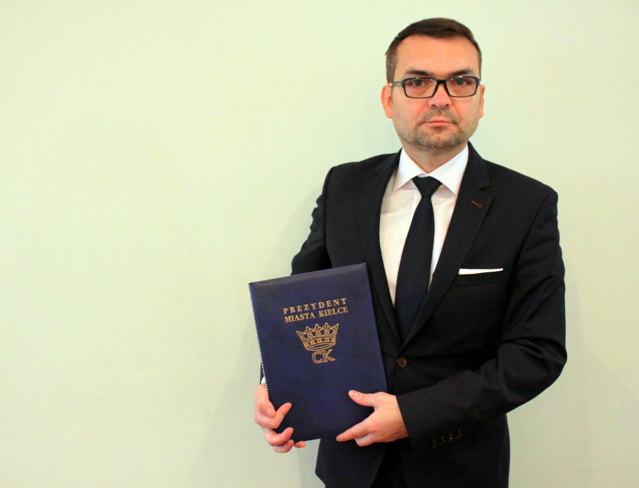 Marcin Różycki - nowy wiceprezydent w kieleckim magistracie - odpowiedzialny będzie za obszar edukacji (fot. um.kielce.pl)