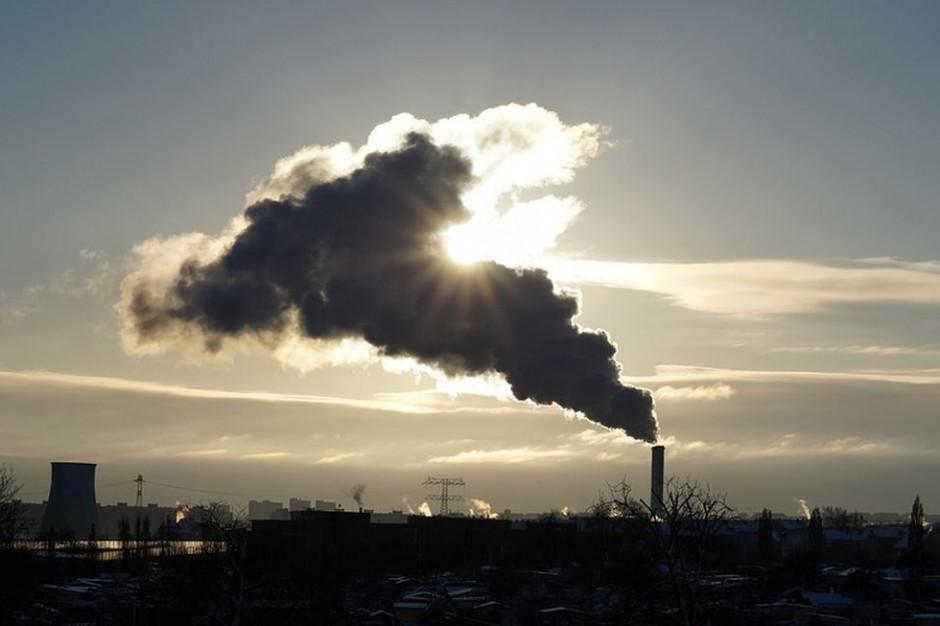 Emisje zanieczyszczeń, gazów cieplarnianych i jakość powietrza w polskich miastach