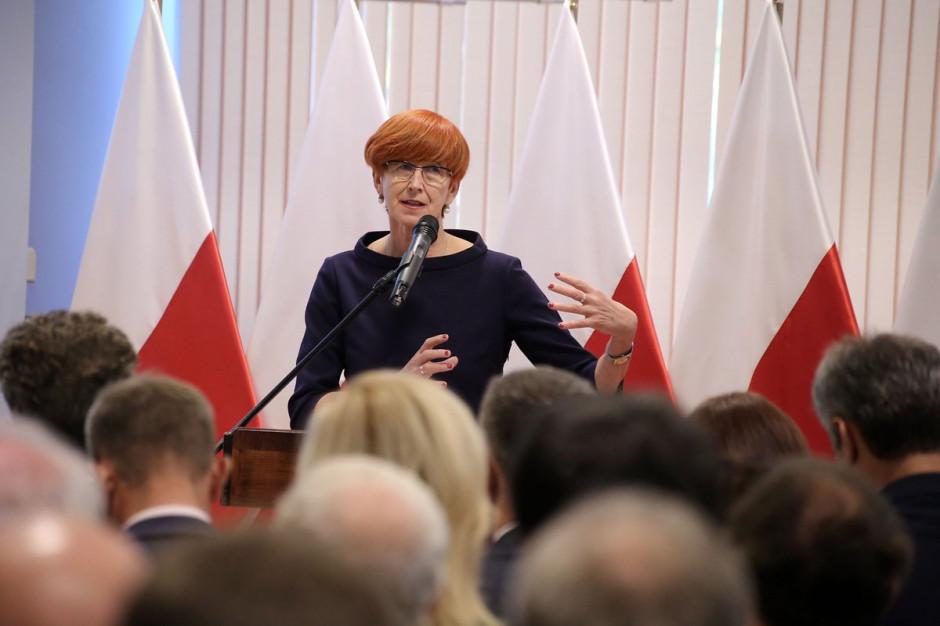 Elżbieta Rafalska o 500 plus: Rząd nic nie zabiera