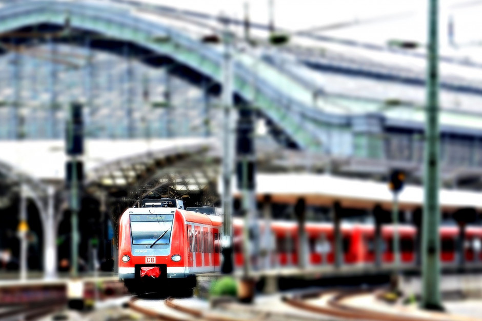 Dworce kolejowe powinny być częścią węzłów przesiadkowych