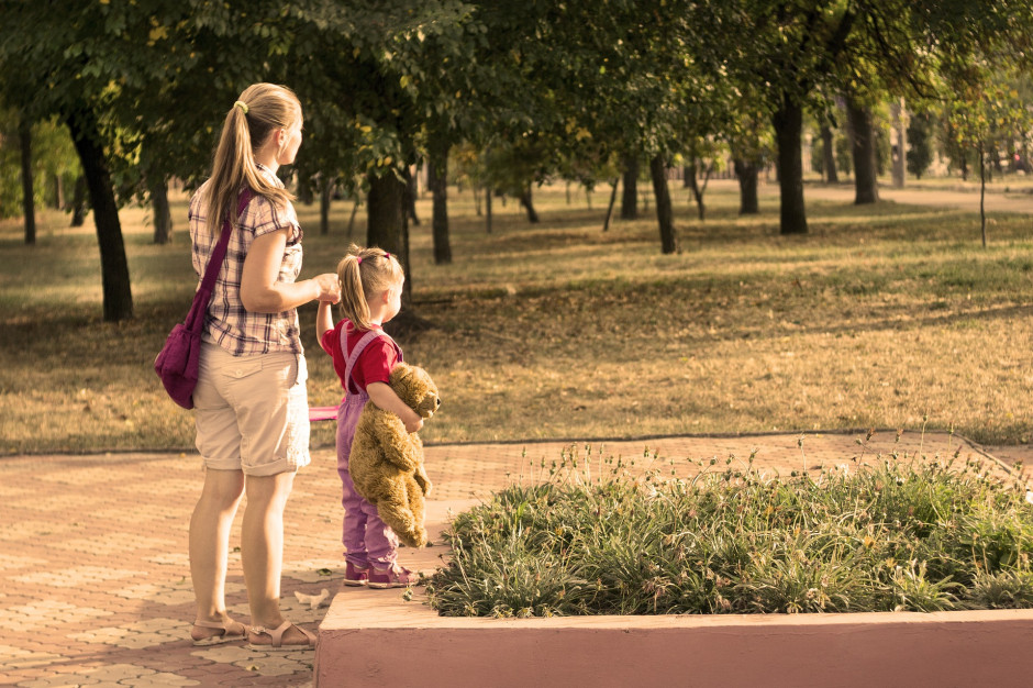 Elżbieta Rafalska: Chcemy wesprzeć samotnych rodziców
