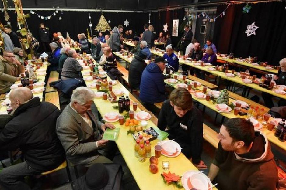 Wrocław zorganizuje wigilię dla samotnych