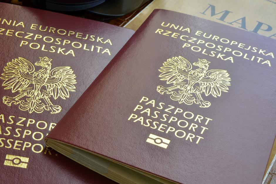 MC uruchomi dwa nowe rejestry: paszportów i danych kontaktowych