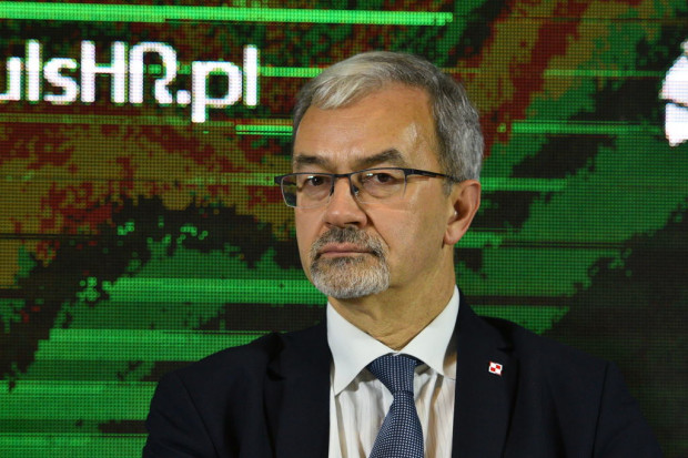 Mamy wielkie ambicje, jeśli chodzi o elektromobilność - powiedział minister Jerzy Kwieciński (fot. PTWP)