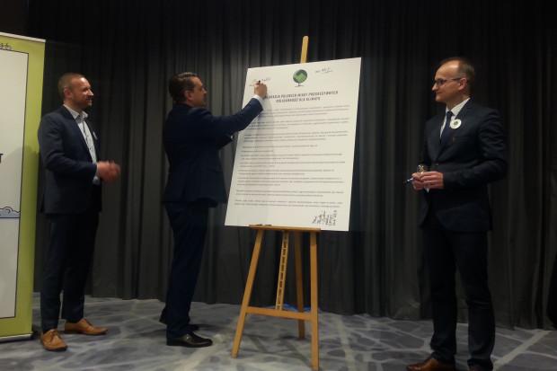 Symboliczne podpisanie deklaracji miało miejsce 10 grudnia w Katowicach (fot. PTWP)