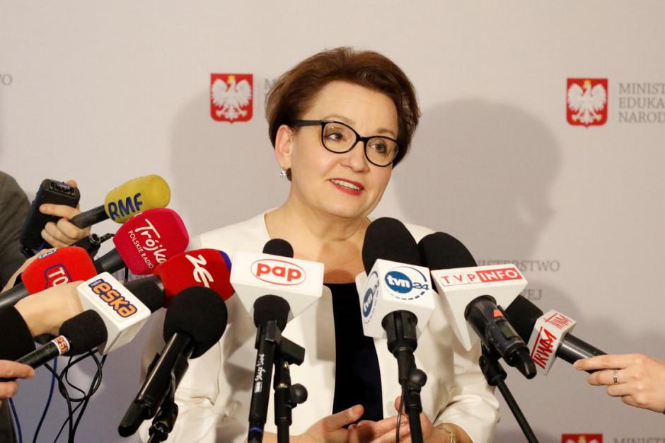 """Anna Zalewska odpowiada oświatowej """"Solidarności"""": Te zarzuty są już nieaktualne"""
